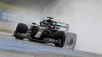 Formula 1'de pole pozisyonunu Hamilton kaptı!