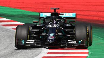 Avusturya'da Hamilton kazandı! Ferrariler birbirine çarptı...