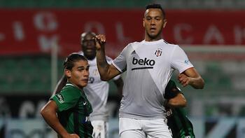 Son dakika - Beşiktaş'ta Josef de Souza kırmızı kart gördü!
