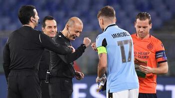 Son dakika | Şampiyonlar Ligi'nde Cüneyt Çakır, Lazio-Brugge maçına damga vurdu!
