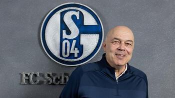 Schalke 04ün yeni teknik direktörü Christian Gross oldu