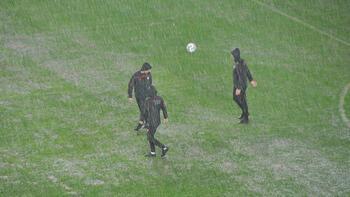 Son dakika - Antalyaspor - Hatayspor karşılaşması ertelendi!