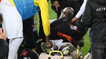 Yeni Malatyasporlu Youssouf sahada kendini yere bıraktı!