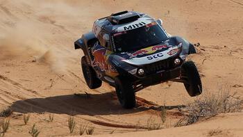 Dakar Rallisi'nde Stephane Peterhansel liderliğini sürdürdü!