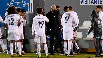 İspanyol basını 6 günde iki kupadan elenen Real Madrid'i tartışıyor