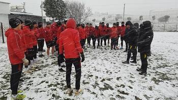 Bergama Belediyespor-Modafen maçına kar engeli
