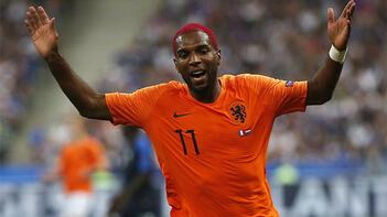 Hollanda Milli Takımı'nda Ryan Babel ve De Jong krizi