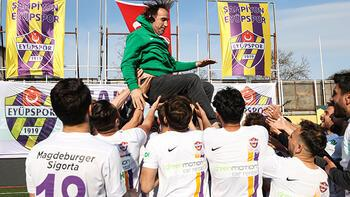Eyüpspor'da TFF 1. Lig'e yükselmenin sevinci yaşanıyor