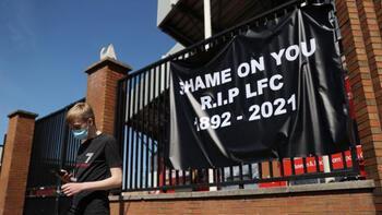 """Son dakika - Liverpool taraftarları öfkeli: """"Yazıklar olsun size"""""""
