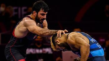 Son dakika - Milli güreşçi Fatih Cengiz, Tokyo Olimpiyatları Dünya Elemelerinde yarı finale yükseldi