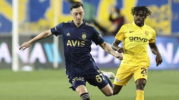 Fenerbahçe'de Mesut Özil yüzde 100 ile oynadı