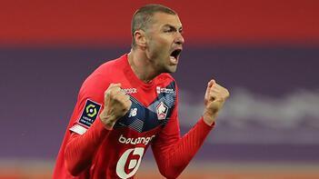 Burak Yılmaz, Fransa'da 'Yılın Futbolcusu' ödülüne aday gösterildi