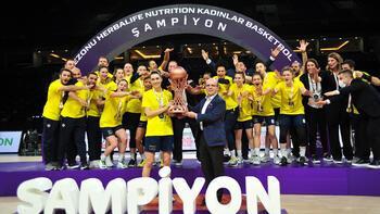 Son dakika - Galatasaray'ı yenen Fenerbahçe Öznur Kablo namağlup şampiyon oldu