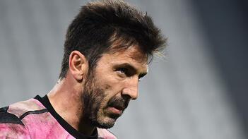 Gianluigi Buffon, Juventus'tan ayrılacağını açıkladı