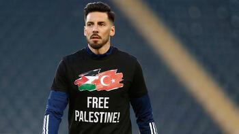 """Fenerbahçeli futbolcular """"Özgür Filistin"""" tişörtüyle ısındı"""