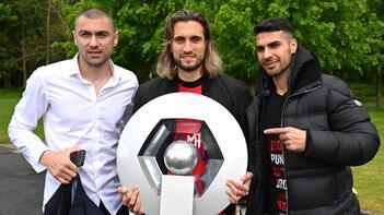Burak Yılmaz, Yusuf Yazıcı ve Mehmet Zeki Çelik milli takım için Türkiye'de