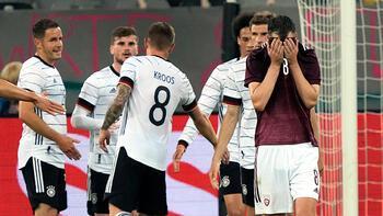 Son dakika - Almanya, Letonya'ya acımadı! Tarihi fark