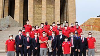 Şampiyon Anadolu Efes, Anıtkabir'i ziyaret etti