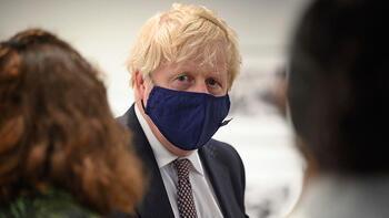 """Son dakika - İngiltere Başbakanı Johnson'dan """"diz çökme"""" eylemi çıkışı"""