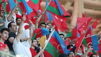 Türk taraftarlardan Milli takım yorumu