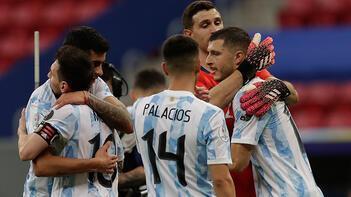 Arjantin, Kupa Amerika'daki ilk galibiyetini Uruguay karşısında aldı