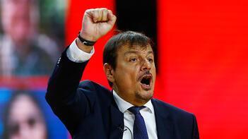 THY Euroleague'de yılın başantrenörü Ergin Ataman seçildi