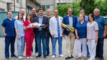 Mesut Özil ve Zinchenko Ukrayna'da çocukları ameliyat ettirdi