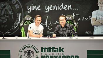 Konyaspor'da Amir Hadziahmetovic ile yeni sözleşme imzalandı