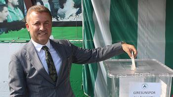 Giresunspor'da başkan Hakan Karaahmet güven tazeledi