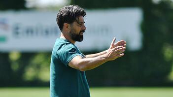 İlhan Palut: Başakşehir ciddi bir rakip, pazar günü önemli bir maç olacak