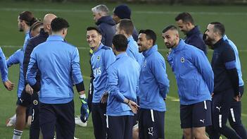 Son dakika haberleri: Fenerbahçe'de Antwerp maçı hazırlıkları tamamlandı