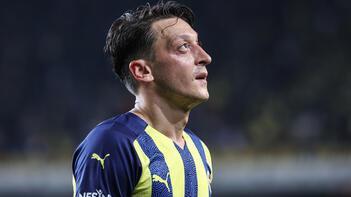 Mesut Özil'e büyük övgü! Futbol tarihinin ilk 10'u içinde