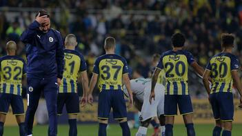 Son dakika haberleri: Fenerbahçe - Alanyaspor maçı sonrası tribünler karıştı! 'İstifa' tepkisi
