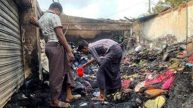 Bangladeş'te pazar yerinde feci yangın: 3 ölü