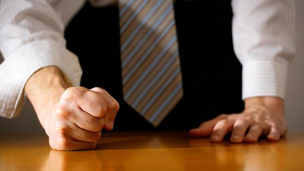 Çalışan herkesi ilgilendiriyor! İş yerinde kavga eden...