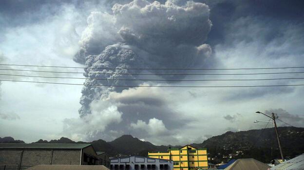 La Soufriere ikinci kez patladı