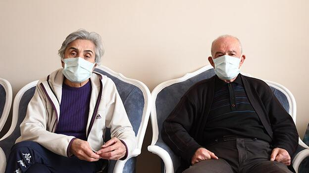 Kendilerini polis olarak tanıttılar! Emekli çifte şok