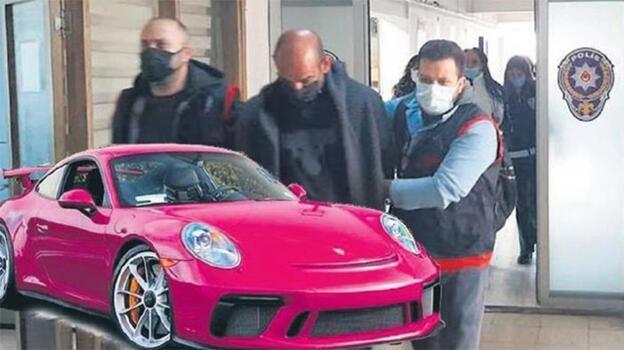 Pembe Porsche'lu çete lideri! 'Ben komiser Schneider...'