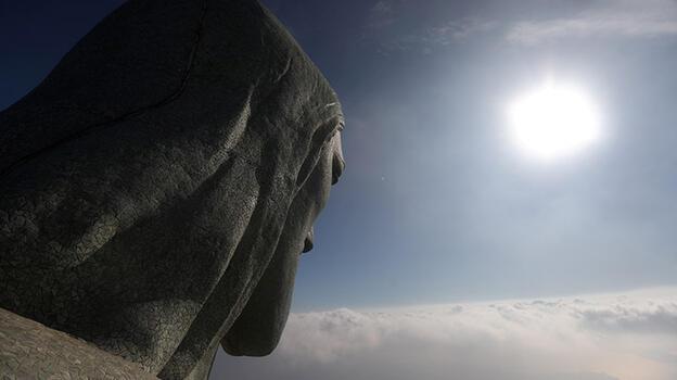 Tam 43 metre... Kurtarıcı İsa'dan daha büyük bir heykel inşa ediliyor