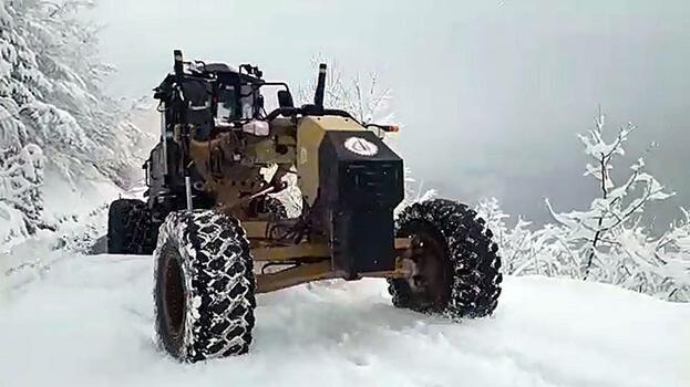 Düzce'de 24 köy yolu kardan kapandı