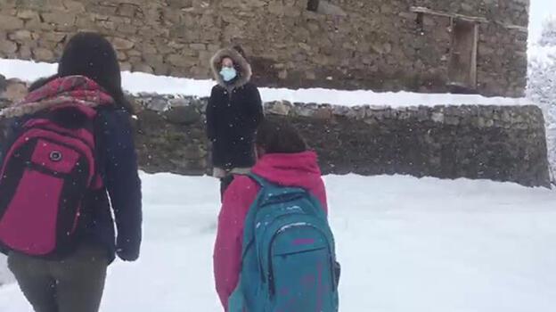 Son dakika... Van'da yüz yüze eğitime bir günlük kar tatili