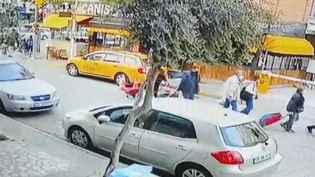 Son dakika... İzmir'de kadın yolcu taksiyi kaçırdı, diğer taksiler kovaladı
