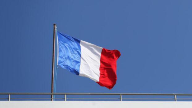 Fransa'dan önemli karar Brezilya uçuşlarını askıya aldı