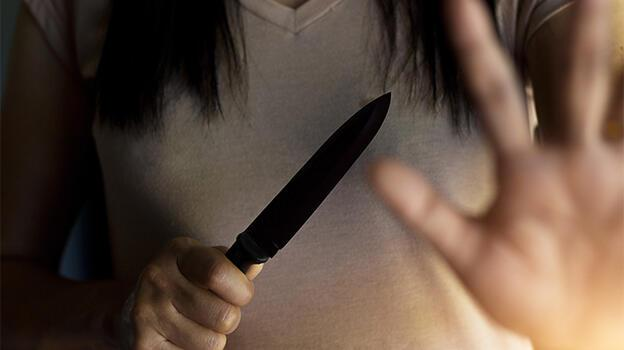 Gelin 52, kayınvalide 49 yaşında! Helallik isteyip 5 kez bıçakladı... Sebebi şoke etti!