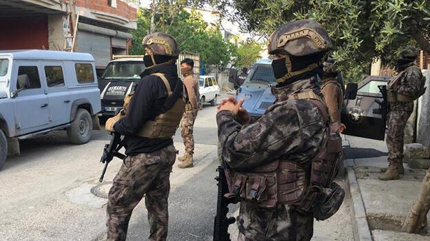 Adana'da terör operasyonu: 10 gözaltı