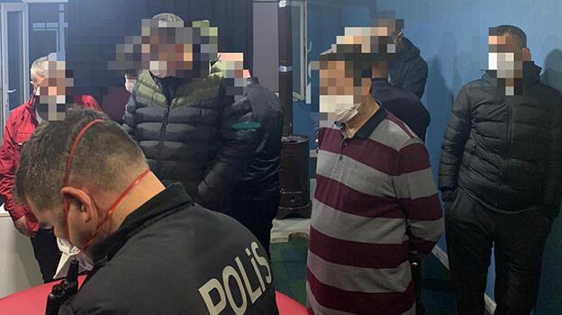 Dernek binasına şok baskın! 23 kişiye koronavirüs cezası
