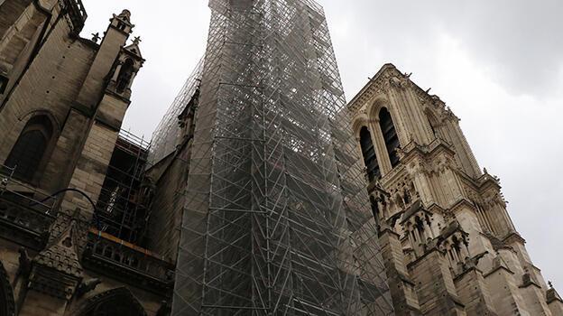 Notre Dame'ın restorasyonu hala başlamadı