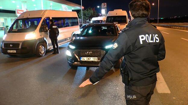 Seyahat kısıtlaması başladı! Polis ekipleri tek tek kontrol yaptı