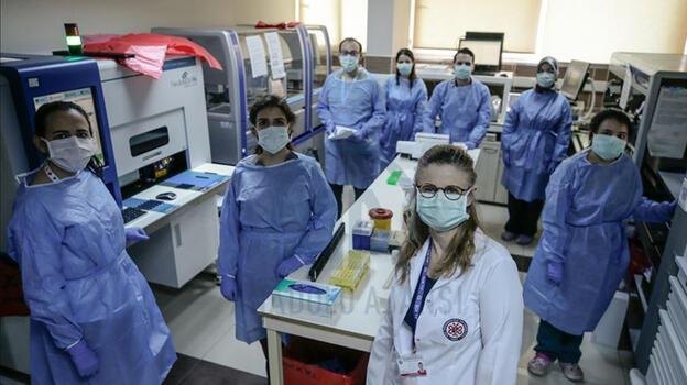 Sağlık çalışanlarıyla ilgili yeni karar! İstifa ve izinlere sınırlama getirildi
