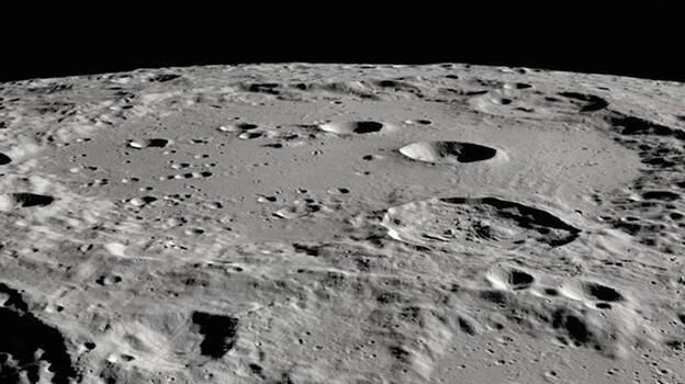NASA'nın yöntemlerine karşı çıkan ABD'li fizikçi: Uzaylı arayanlar Ay'a bakmalı
